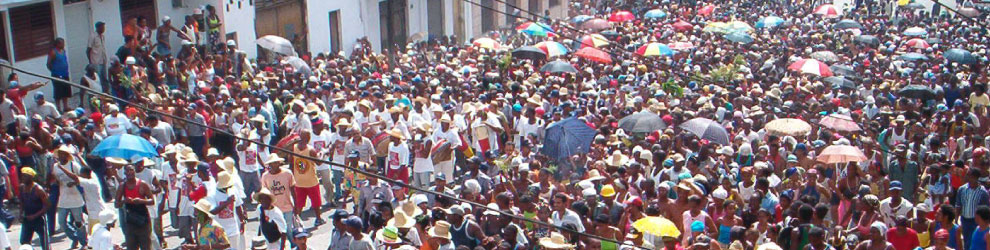 photo of festival crowd in Cuba